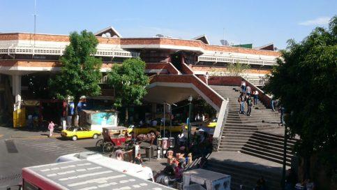 Deja 57 detenidos operativo federal en el mercado San Juan de Dios