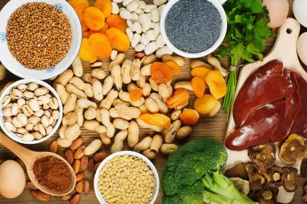Recomienda SSJ consumir  alimentos ricos en hierro