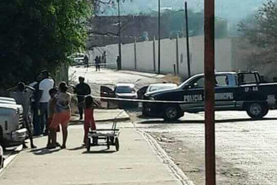 Atacan a subdirectora de diario regional y a su hijo en Autlán de Navarro
