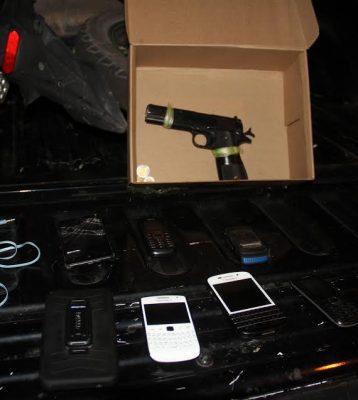 Detienen a dos por robo de vehículo y cohecho