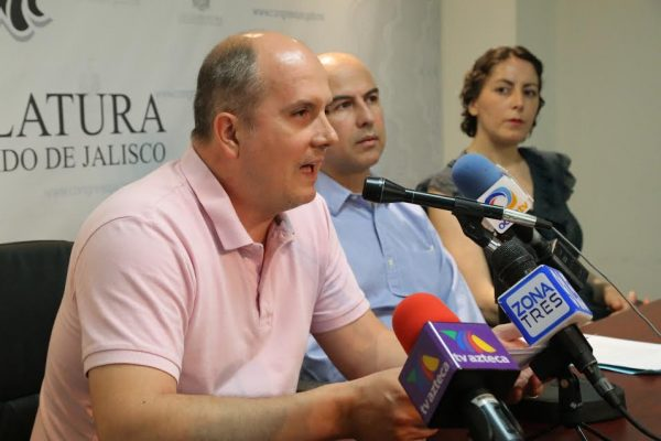 Ley antiruido propone el diputado Augusto Valencia