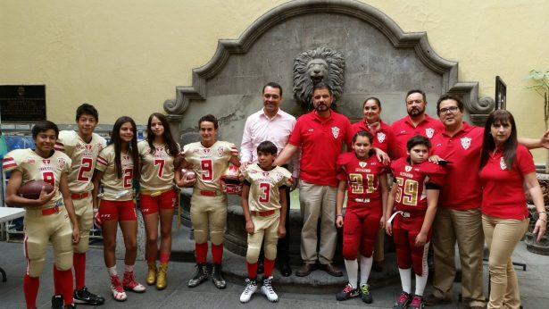 Fomentan deporte en Escuela de Futbol Americano en Zapopan