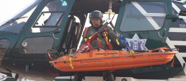 Rescatan con el helicóptero Halcón, a joven que se desbarrancó en Zapopan