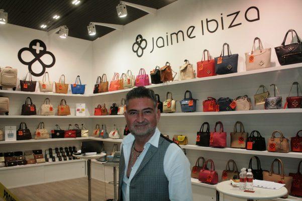 Posicionan marca de bolsos y accesorios de Jalisco