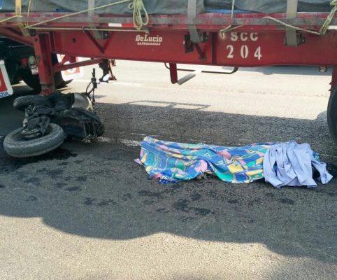 Muere motociclista atropellado por un vehículo de una empresa cementera