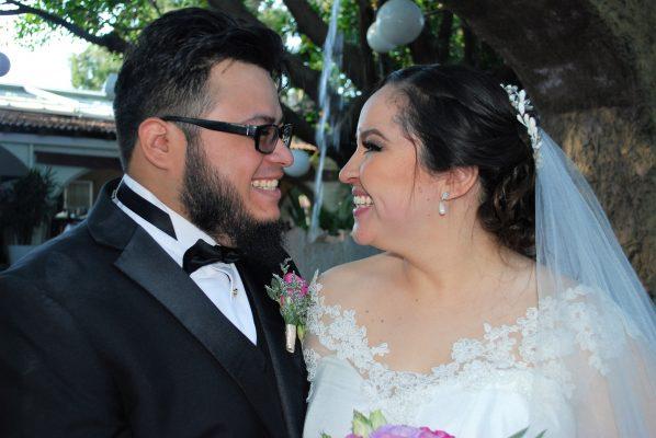 """Lidia y Víctor dicen """"acepto"""""""