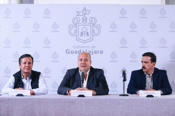 Nuevas barreras de contención en Lázaro Cárdenas