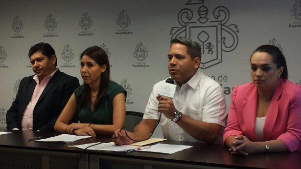 Piden regidores del PRI en Guadalajara consulta sobre el futuro de calandrias