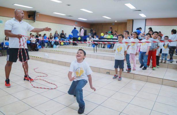 """Hospital Civil cambia la vida de niños de con """"pie equino"""""""
