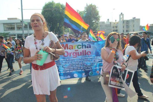 Tres mil firmas apoyan a transgénero en Jalisco