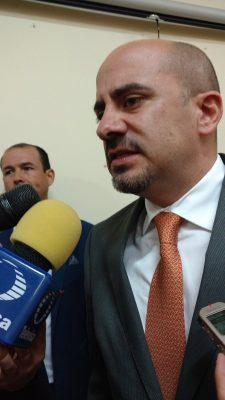 Enrique Aubry solicitó licencia como diputado