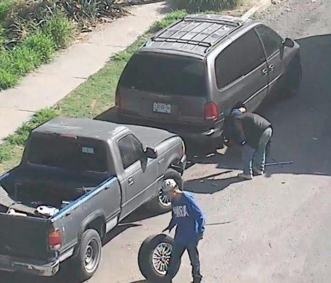 A través de cámaras de seguridad de Zapopan fueron detenidos tres sujetos