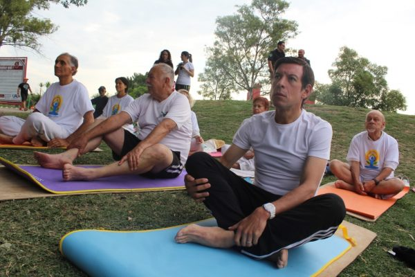 Medirá Sedis efectos del yoga en la población
