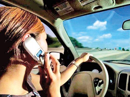 A favor PC de incrementar sanciones a quien utilice celular mientras maneja