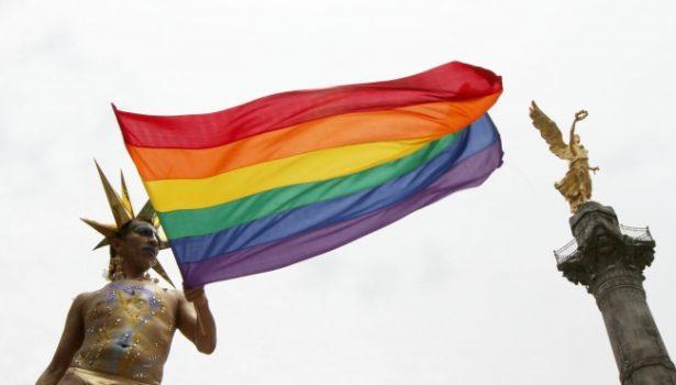 Promueve la eliminación de la homofobia y transfobia