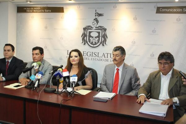 Tipificar como delito grave el robo de agave: diputados del PRI