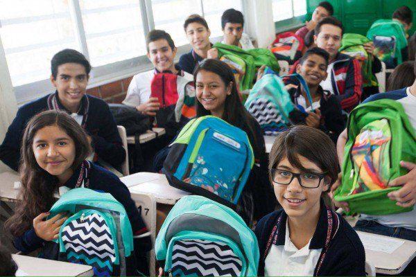 En todas las escuelas públicas de Tlaquepaque habrá mochilas con útiles