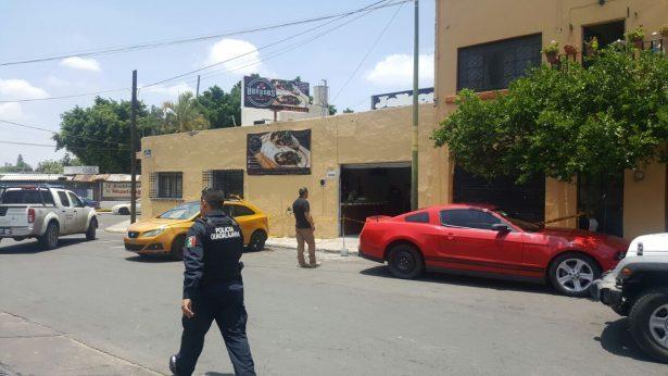 Atacan a dos a balazos en Guadalajara