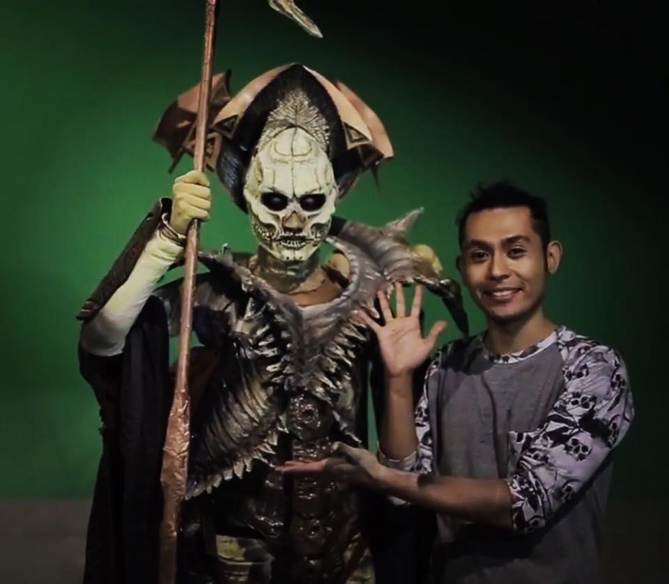 El tapatío Isaac Romo, disfruta al máximo su trabajo con esculturas de plastilina y máscaras.