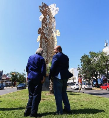 No preocupa a Alfaro crítica sobre escultura Sincretismo