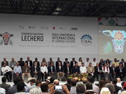 Leche mexicana debe ser conocida en todo el mundo: JASD