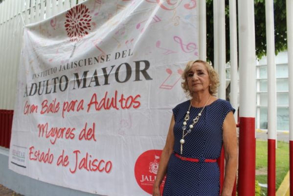 Celebran al adulto mayor