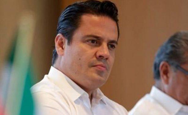 Gobernador se descuenta dos días y ordena a priistas de su gabinete pedir permiso sin goce de sueldo
