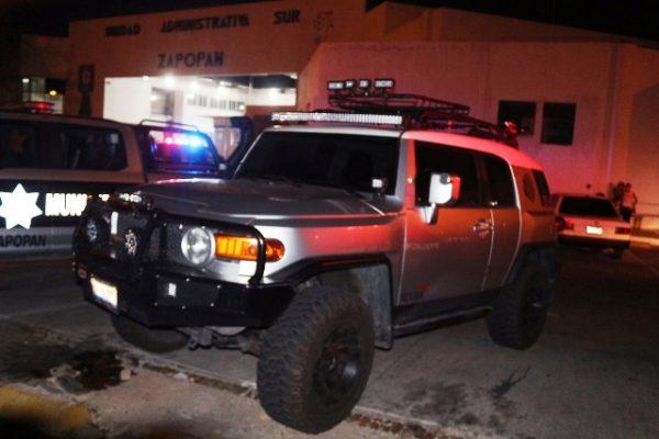 Detienen a sujeto en vehículo robado, tras una persecución que terminó en Tlajomulco