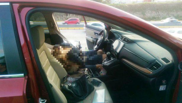 Asesinan a balazos a una mujer a bordo de una camioneta en Zapopan