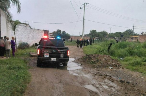Asesinan a una mujer después de dejar a su hija en kínder de Tonalá