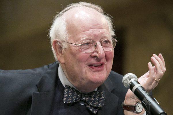 Hay que salvar al capitalismo de los capitalistas: Angus Deaton
