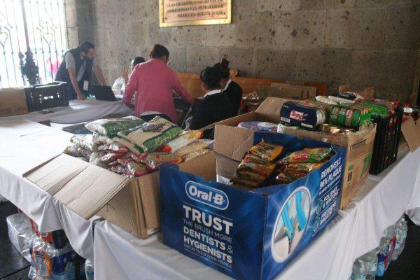 Muestran Jalisco solidaridad en los centros de acopio