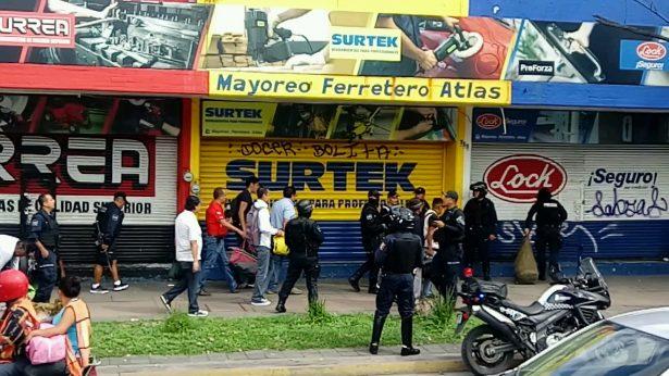 Realizan en Guadalajara operativo contra ambulantaje y motocicletas