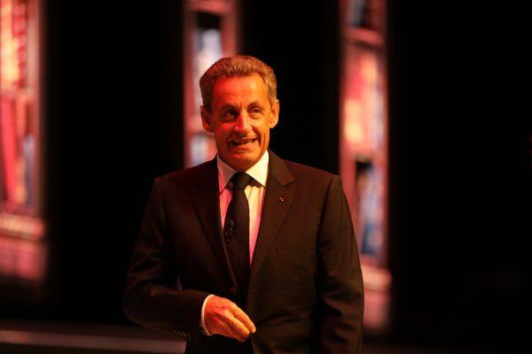 """México debe diversificar sus """"amigos comerciales"""" y no depender sólo del TLC: Nicolás Sarkozy"""