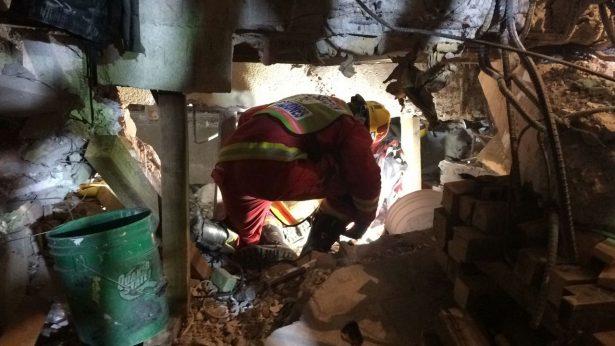 Ya trabajan rescatistas jaliscieses en zonas afectadas por temblor