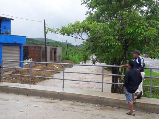 La tormenta tropical Pilar, deja dos fallecidos y 137 evacuados en Jalisco