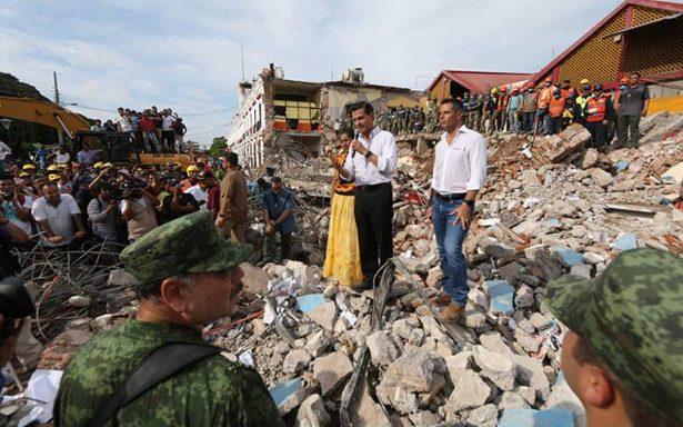 Ascienden a 61 los muertos por sismo; EPN llama a solidaridad y unidad
