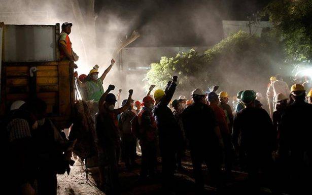 Suman 250 los decesos por temblor que sacudió a México