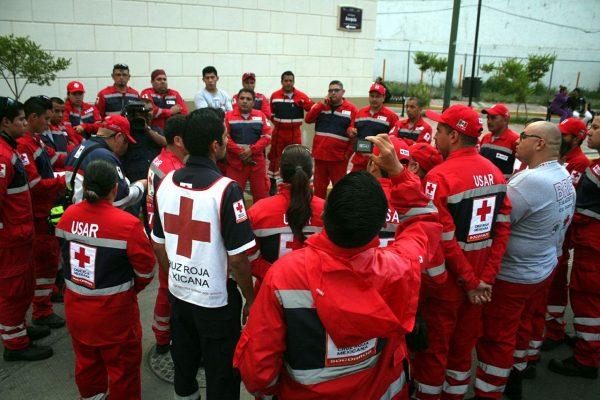 Rescatistas jaliscienses salen al centro del país para apoyar a afectados por el sismo