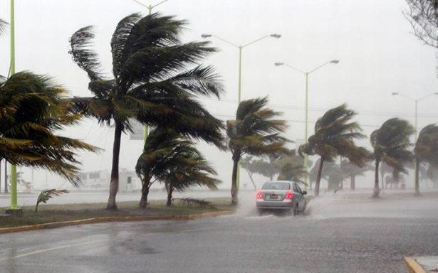 Veracruz restringe tránsito vehicular en 6 carreteras por la llegada de Katia
