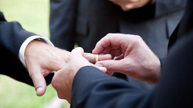 A la baja en Gdl los matrimonios gays