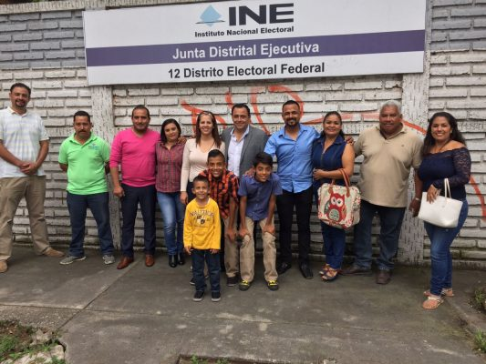 Adrián Salinas se registró como aspirante a candidato independiente