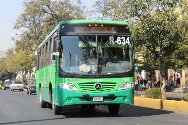 Reprueban usuarios el servicio de transporte público