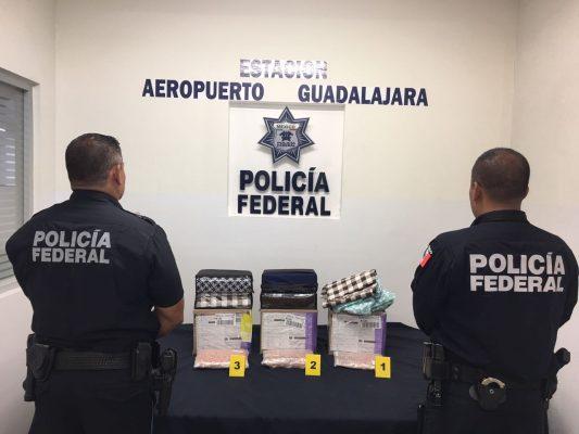 Descubren tres kilos de metanfetamina oculta entre sábanas que se enviarían a Ciudad Juárez, Chihuahua