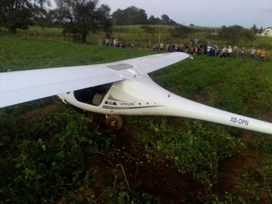 Ultraligero realiza aterrizaje forzoso en Mazamitla