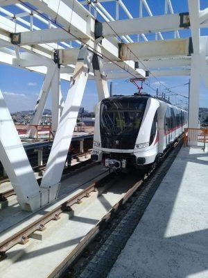 Circulan vagones de la Línea 3 por viaducto 2