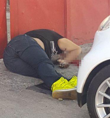 Matan a un hombre a balazos en Gdl, en otro punto de ese municipio, dejaron una hielera con mensaje