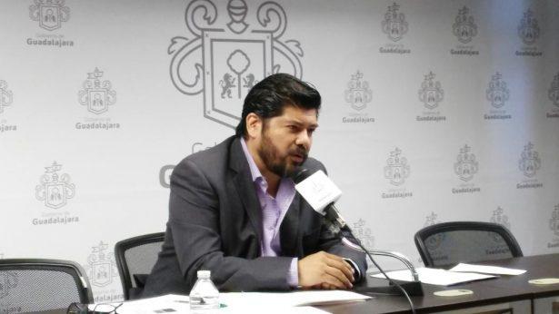 """Regidor del PRI en Gdl pide consultar si se mueve o no la obra """"Sincretismo"""""""