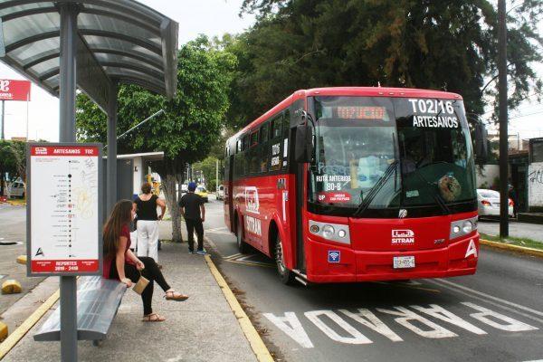Se manifiestan en contra a la alza al costo del transporte público