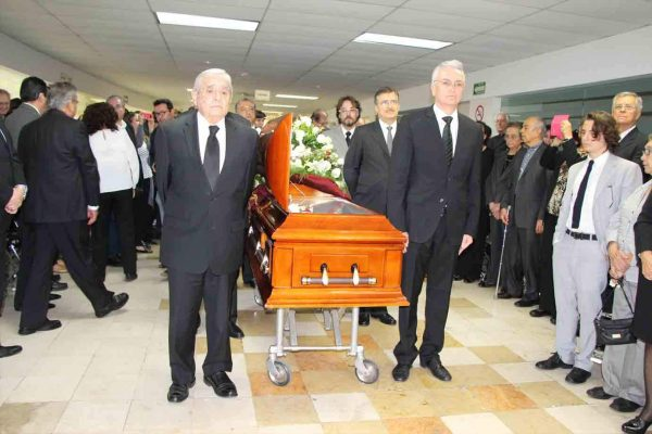 Sentido adiós al doctor José Guerrerosantos